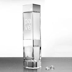 Pav - The Luxury Liqueur Distilled Through Real Diamonds In Amsterdam. Filtered Water Bottle, Best Water Bottle, Water Bottle Design, Glass Water Bottle, Glass Bottles, Water Packaging, Beverage Packaging, Bottle Packaging, Cute Water Bottles
