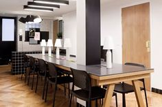Le Cafe Craft  24 rue des Vinaigriers 75010 Paris - Métro Jacques Bonsergent   5€/heure, 24€/jour, 240€/mois  ⏱ Ouvert du lundi au vendredi de 9h à 19h/ Weekend 10h à 19h  Le + : la qualité du café (Lomi, torréfacteur artisanal) et du thé (Damman)