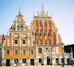 #Riga : une ville balte à découvrir : Avec ses forêts de pins et ses plages sur la Baltique, Riga la capitale de la #Lettonie mérite d'être découverte. La ville, qui a été déclarée capitale européenne de la culture en 2014, cultive ses traditions et propose cette année un riche programme de festivités.