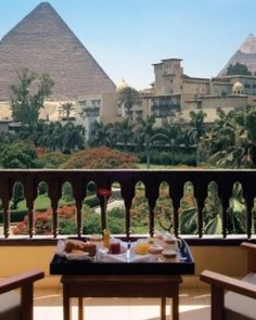 Mena House Oberoi - Cairo, Egypt  || Can you imagine seeing the pyramids from the balcony of your hotel room??