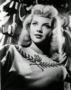 Vintage Glamour Girls: Barbara Lawrence
