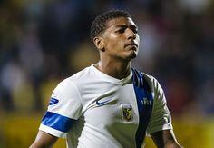 Chelsea youngster Van Aanholt set for Sunderland move