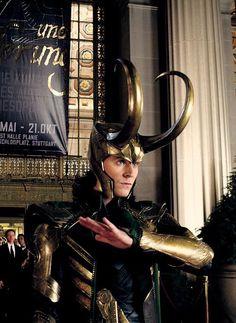 Tom Hiddleston as Loki Avengers 2012, Loki Avengers, Loki Thor, Loki Laufeyson, Marvel Fan, Marvel Avengers, Asgard Marvel, Thomas William Hiddleston, Tom Hiddleston Loki