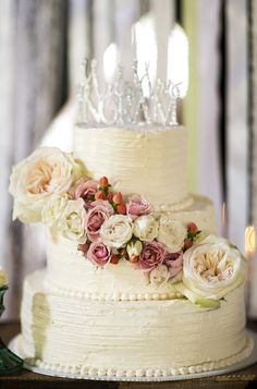 Gorgeous Wedding Cake ~ Ivey Pictures