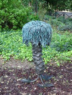 Top Roots d'Antoine Dorotte au Jardin des Plantes de Paris (Paris 5e) http://www.pariscotejardin.fr/2012/10/top-roots-dantoine-dorotte-au-jardin-des-plantes-de-paris-paris-5e/