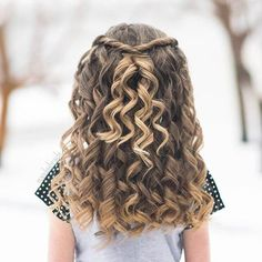 50 Pretty Perfect Cute Hairstyles for Little Girls to Show Off Their Classy Side 50 hübsche perfekte niedliche Frisuren,. Cute Little Girl Hairstyles, Prom Hairstyles For Short Hair, Flower Girl Hairstyles, Winter Hairstyles, Pretty Hairstyles, Easy Hairstyles, Hairstyle Ideas, Little Girl Curly Hair, Kids Hairstyles For Wedding