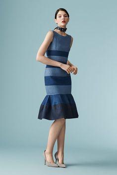 The complete Carolina Herrera Resort 2017 fashion show now on Vogue Runway. Fashion 2017, Fashion Show, Fashion Dresses, Womens Fashion, Fashion Design, Denim Dresses, Runway Fashion, Jeans Recycling, Short Dresses