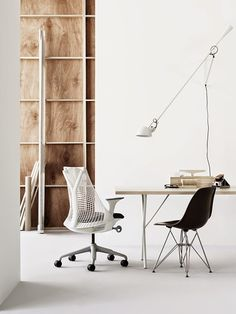 Order your Sayl Chair. An original design by Yves Béhar, this ergonomic desk chair is manufactured by Herman Miller.
