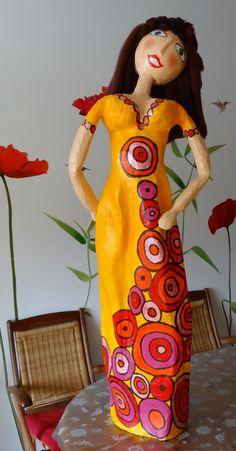 Papier Mache Sculpture   Sculpture femme papier maché multicolore : Accessoires de maison par ...
