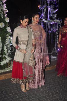 Kareena, Karisma, Amrita and Malaika at a sangeet ceremony Pakistani Dresses, Indian Dresses, Indian Outfits, Indian Clothes, Salwar Designs, Lehenga Designs, Indian Party Wear, Indian Wear, Indian Designer Outfits