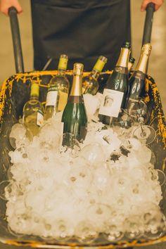 carretilla con bebidas boda www.bodasdecuento.com