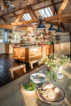 The Mousehole Fish Store, Luxury Self-catering Home in Mousehole The Mousehole Fish Store, casa de lujo con cocina en Mousehole Dream Home Design, My Dream Home, Home Interior Design, Interior Decorating, House Design, Luxury Kitchen Design, Kitchen Interior, Mt Design, Aesthetic Rooms