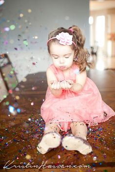 Adorable themes and poses for your 3 year olds photo shoot.