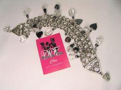 """Dans la Collection Chic Collection Jacqueline Bracelet à breloques en inox et argent tibétain, cristaux et pièces en hématite. Fermoir magnétique orné de cristaux avec chainette de sécurité (ajoutée après la photo). Modèle 3 rangs  grandeur : 7,75"""" S.BBC_02  65$ CAD"""