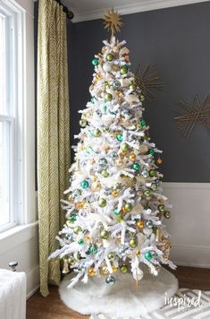 How To Cover A Christmas Tree Base: 38 Ideas