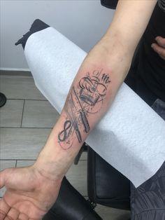 Koch Mini Tattoos, Sexy Tattoos, Body Art Tattoos, Tattoos For Guys, Sleeve Tattoos, Tattoo Now, Arm Band Tattoo, Pastry Tattoo, Koch Tattoo