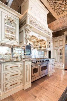 Luxury Kitchen Featured Homes – Habersham Home Custom Kitchens, Luxury Kitchens, Cool Kitchens, Dream Kitchens, Luxury Kitchen Design, Best Kitchen Designs, Mansion Kitchen, French Country Kitchens, Kitchen Gallery