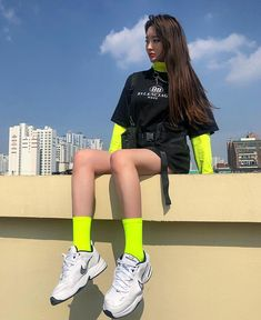 Discover recipes, home ideas, style inspiration and other ideas to try. Neon Outfits, Hipster Outfits, Edgy Outfits, Mode Outfits, Korean Outfits, Grunge Outfits, Girl Outfits, Fashion Outfits, Set Fashion