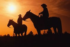 Wild western music about a group of cowboys riding across the vast deserts of Texas defending the towns they ride through from dangerous outlaws. Gaucho, Country Life Magazine, Horse Wallpaper, Iphone Wallpaper, Silhouette Photography, Into The West, Cowboy And Cowgirl, Cowboy Pics, Cowboy Love