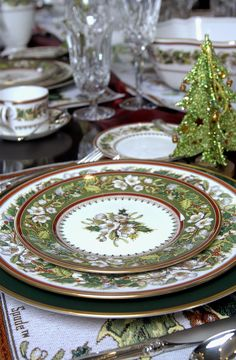 spode christmas rose table setting...love the colors!