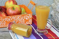 Nectar de mere pentru iarnă - rețeta naturală fără conservanți. Cum se face nectar de casă? Rețeta de nectar de mere pentru iarnă. Pickling Cucumbers, Romanian Food, Frappe, Moscow Mule Mugs, Preserves, Pickles, Deserts, Food And Drink, Drinks