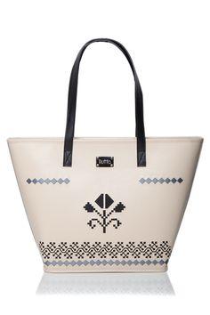 Dor de Transilvania, geanta din piele naturala brodata cu motive traditionale romanesti
