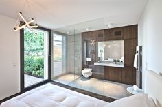 Shower/Bedroom. What do you think about the use of glass? Too relaxed ?