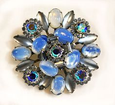 1960s Icy Blue Rhinestone and Glass Oversized Unsigned Weiss Pin Brooch
