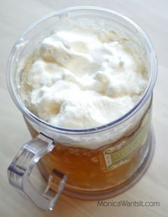 Low Calorie Butter Beer ----- diet cream soda, butter extract, whipped cream