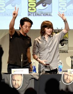 Chandler has grown a lot. Steven Yeun and Chandler Riggs. Walking Dead Season, Fear The Walking Dead, Walking Dead Characters, Steven Yeun, Chandler Riggs, Carl Grimes, Family Album, Stuff And Thangs, Film Serie