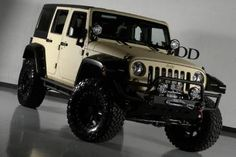 2013 Lifted Jeep Wrangler Unlimited Kevlar Exterior