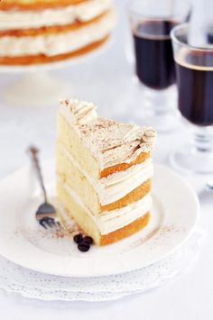 Vanilla Bean Latte Layer Cake. What a combination.........latte and cake all in one! Mmmmmmmm!
