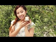 Olive Oil Exfoliator Tutorial -    Michelle shows you how to use olive oil as a facial scrub in this olive oil exfoliator tutorial that was inspired by her visit to Tuscany, Italy. Watch Miche… -http://homehealthbeautychoices.com/blog/olive-oil-exfoliator-tutorial/