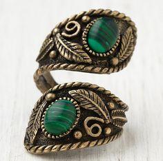 Rings Boho Love this boho ring Bohemian Jewelry, Vintage Jewelry, Unique Jewelry, Tribal Jewelry, Indian Jewelry, Jewelry Shop, Jewelry Accessories, Fashion Accessories, Gypsy