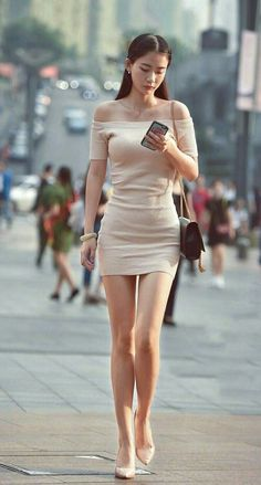 Pros and Cons of Wearing Short Skirts and Dress – Love and Intimacy Sexy Outfits, Sexy Dresses, Fashion Outfits, Womens Fashion, Tight Dresses, Korean Girl Fashion, Asian Fashion, Short Skirts, Short Dresses