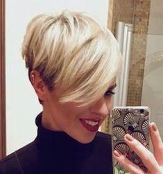 Haarschnitt - New Ideas Funky Haircuts, Edgy Short Haircuts, Haircuts For Fine Hair, Funky Hairstyles, Short Hair Cuts For Women, Short Hair Styles, Pelo Pixie, Edgy Hair, Hair Photo