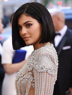 A look at some of the fabulous bobs that celebs rocked at the star-studded Met Gala. Which one is right for your face shape? Brown Bob Haircut, Pixie Haircut, Latest Short Hairstyles, Easy Hairstyles, Kylie Jenner Haircut, Classic Haircut, Hair Affair, New Hair, Hair Inspiration