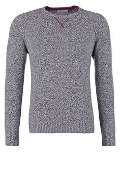 Johnstons Cashmere Trui grey, 299.95, http://kledingwinkel.nl/shop/heren/johnstons-cashmere-trui-grey/ Meer info via http://kledingwinkel.nl/shop/heren/johnstons-cashmere-trui-grey/