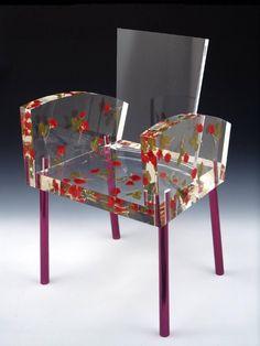 """坂井直樹の""""デザインの深読み"""": 倉俣史朗の重力から解き放たれ、夢のように静かな浮遊感と透明感が漂うミスブランチ・チェアは、オークション中に約5千万をつけて過去最高の価格で売れた家具だろう。"""