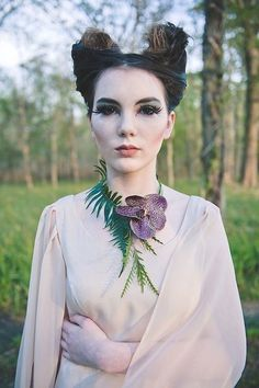 Romantic Maleficent Fantasy Wedding Shoot - This Fairy Tale Life Colar Floral, Floral Necklace, Floral Hair, Disney Inspired Wedding, Disney Weddings, Decoration Plante, Dapper Day, Fantasy Wedding, Arte Floral