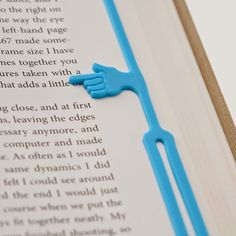 Toothpic Nations Pointing Finger Eco Bookmark // Forget spending precious time trying to remember where you got to on your page; this handy bookmark points to the last line you read, so you can get stuck in straight away. Cool Bookmarks, Creative Bookmarks, 3d Templates, Pointing Fingers, 3d Prints, Shape Design, Life Design, Book Pages, Marque Page