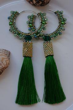 Thread Jewellery, Tassel Jewelry, Ear Jewelry, Beaded Jewelry, Jewelry Making, Fabric Earrings, Beaded Earrings, Earring Crafts, Jewelry Crafts