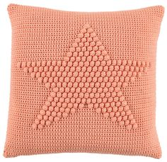 Could I recreate this in crochet? Crochet Cushion Cover, Diy Cushion, Crochet Cushions, Crochet Pillow, Modern Crochet, Love Crochet, Crochet For Kids, Knit Crochet, Diy Pillows