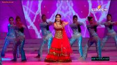 "MADHURI DIXIT - full performance at ""People's Choice Awards""!!! (Dhak Dh..."