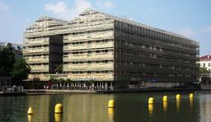 Best Hostels in Europe.. St. Christopher's Paris Hostel