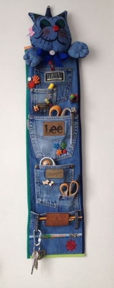36 ideas para reciclar jeans o ropa vaquera - Best Sewing Tips Sewing Hacks, Sewing Tutorials, Sewing Patterns, Sewing Tips, Sewing Stitches, Bag Patterns To Sew, Jean Crafts, Denim Crafts, Recycle Jeans