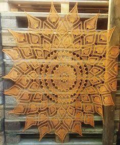 #zamotanalacrima #obrus #szydelko #bawelna #crochet #handmade #crocheting #recznierobione #polishhandmade #homedecor #ozdobadomu #ananasy Animal Print Rug, Ornament, Art Deco, Rugs, Animals, Home Decor, Farmhouse Rugs, Animais, Homemade Home Decor