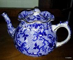 Antique Flow Blue Teapot Honeycomb Flowers Gold Trim A. W. L. Arthur Wood England