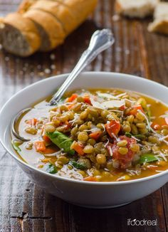 Spinach & Lentil Soup Recipe - Vegan & gluten free soup with green lentils, spinach & diced tomatoes. Perfect for Meatless Mondays. #cleaneating