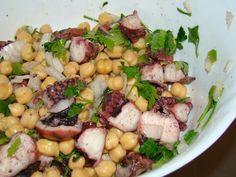 Salada de polvo com grão de bico, Receita Petitchef Fish And Seafood, Potato Salad, Salads, Chicken, Meat, Vegetables, Ethnic Recipes, Quiches, Burgers
